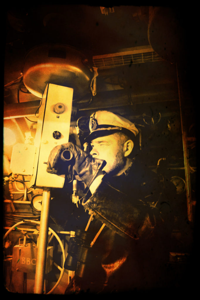 1 - Commandant au périscope
